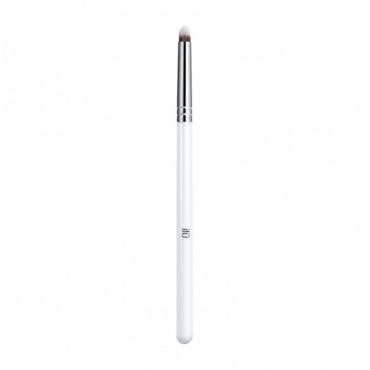 ilū by Tools For Beauty, 425 Precision Smudge Brush